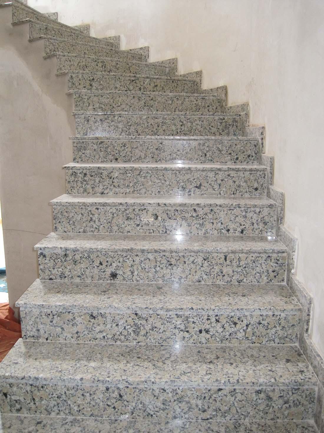 M rmoles jim nez las mejores escaleras con m rmol - Escaleras de interior de obra ...